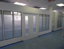 Cleanroom steel partition in Health Environment