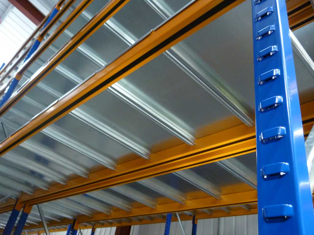 Longspan Shelving With Galvanised Deck Close Up