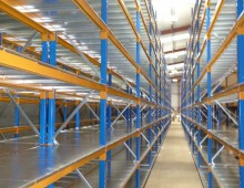 Longspan Shelving with Steel Decks in Warehouse