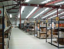 Longspan shelving in warehouse environment