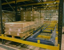 Push Back Pallet Racking With Pallets