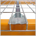Mesh deck for pallet racking