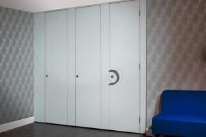 Komfort Washroom System in partitioning