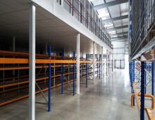 Large Warehouse Mezzanine Floor