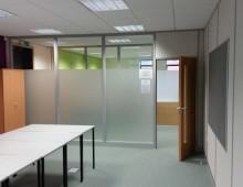 Glazed partition manifestation