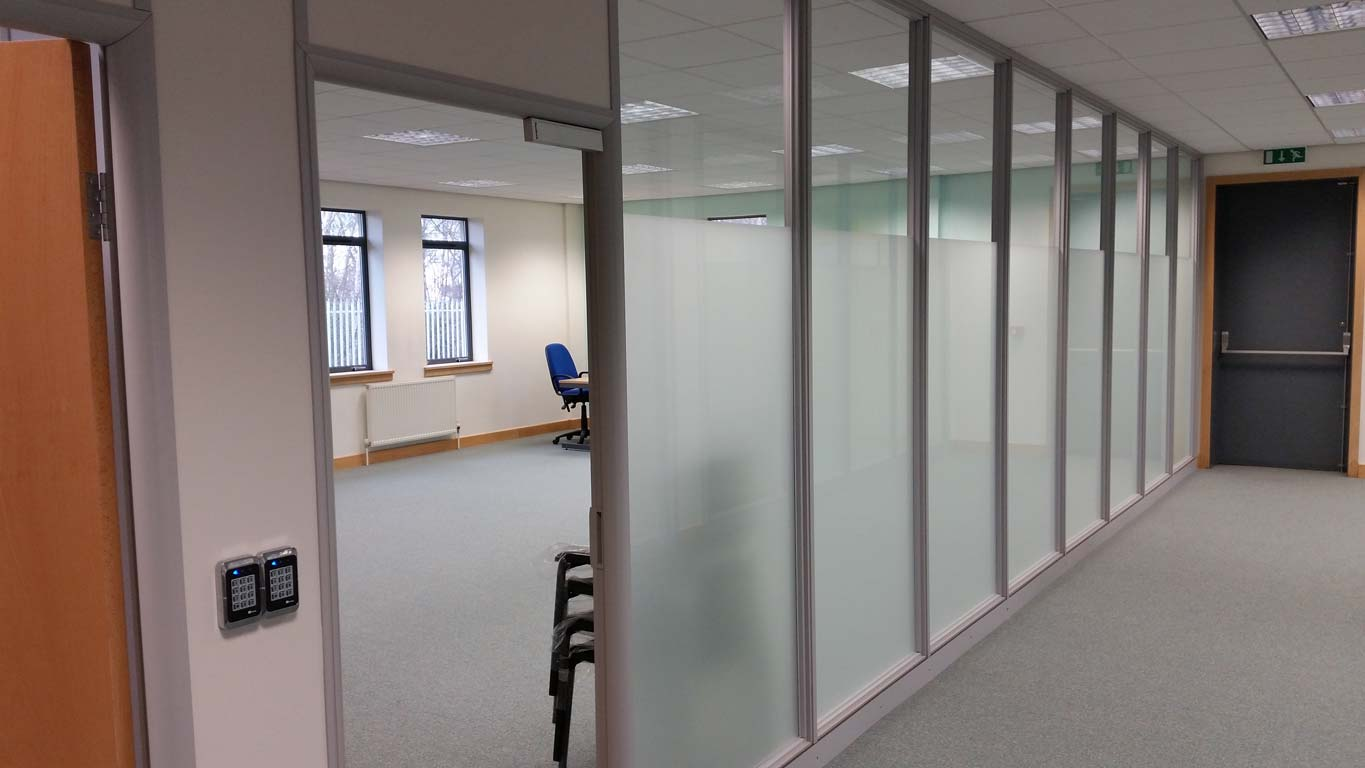 600 series office partitions Leeds