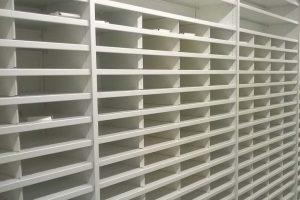 Warehouse shelving dividers
